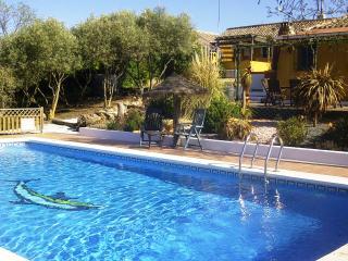 Walnut Farm: Casa Rosa sleeps 4, private pool wifi - Antequera vacation rentals