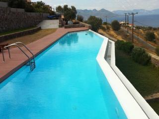 Perfect Villa with Washing Machine and Stove - Perdika vacation rentals