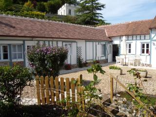 Stunning 3 bedroomCottage  with private Garden - Honfleur vacation rentals