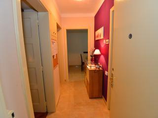 Comfortable 2 bedroom Apartment in Split - Split vacation rentals