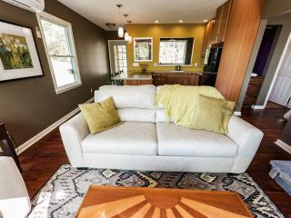 The Bungalow   Perfect for a Couple - Fairview vacation rentals