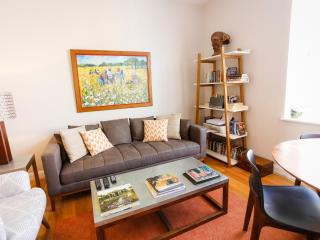 2 Bed Flat in Central London! - London vacation rentals