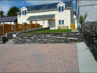 Beautiful BRAND NEW HOUSE at Talysarn in Snowdonia - Penygroes vacation rentals
