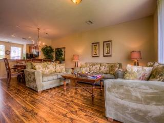 Bright and cheerful, this townhome has everything needed for your vacation! - Orlando vacation rentals