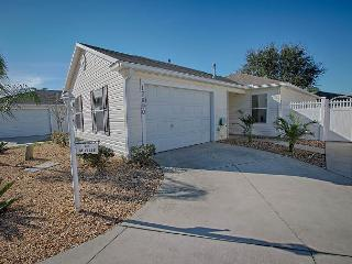 Great pet friendly courtyard villa with complimentary golf cart - The Villages vacation rentals