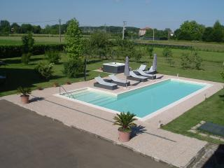 Beautiful 3 bedroom Villa in Modena - Modena vacation rentals
