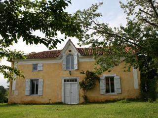 Nice House with Television and Fireplace - Villecomtal-sur-Arros vacation rentals