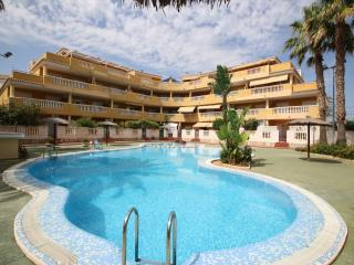 Cozy Apartment in Els Poblets with Shared Outdoor Pool, sleeps 4 - Els Poblets vacation rentals