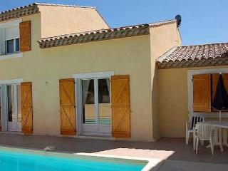 Poilhes villas in Languedoc with pool on Canal du Midi (Ref: 1113) - Poilhes vacation rentals