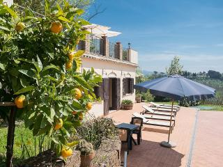 Charming 1 bedroom House in Collevecchio with Deck - Collevecchio vacation rentals