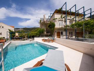 Apartments Zambarlin - Apartment Vinka - Komiza vacation rentals