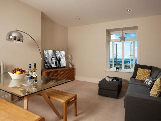 The Views, Luxury Apartment, Malvern, Sleeps 2 - Malvern Wells vacation rentals