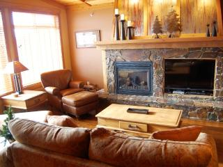 Big White Copper Kettle 2 bed premium with hot tub - Big White vacation rentals