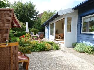 Tildaholm - Schwedenhaus nur 300 Meter vom Strand - Schonberger Strand vacation rentals
