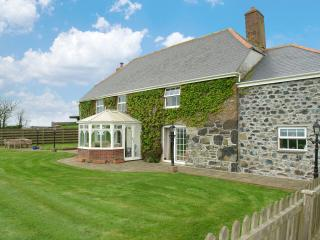 Lovely House with Internet Access and DVD Player - Helston vacation rentals