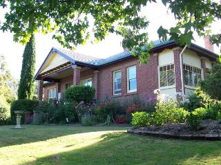 Lovely Bed and Breakfast with Television and DVD Player - Castle Forbes Bay vacation rentals