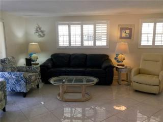 Newly remodeled 2BR on one of Fl finest beaches - Villa 18 - Siesta Key vacation rentals