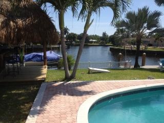 'Super Paradise',Waterfront, Heated Pool,Tiki Bar - Fort Lauderdale vacation rentals