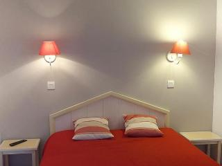 Beautiful 3 bedroom Condo in Arcangues with Short Breaks Allowed - Arcangues vacation rentals