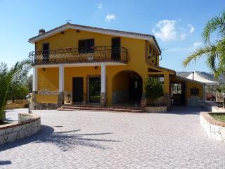 Cozy 3 bedroom Villa in Cassibile - Cassibile vacation rentals