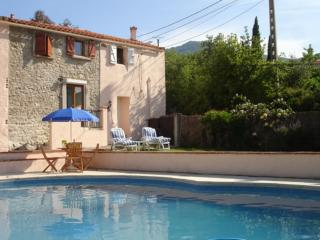 Character Cottage, with pool, nr Argeles Sur Mer and Collioure - most southerly - Argeles-sur-Mer vacation rentals