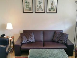 Economical Notting Hill Gate Apartment - London vacation rentals