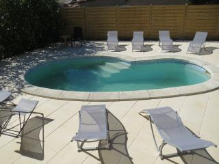 Spacious villa in quiet location with private pool and garden in Languedoc - Servian vacation rentals