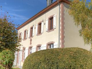 Ancienne Ecole à Troche dans la Corrèze - Arnac-Pompadour vacation rentals