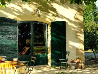 LE RELAIS DU COCHE - Grans vacation rentals