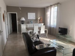 2 bedroom House with Television in Orange - Orange vacation rentals