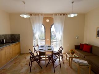 Large 1 BDRM - Market Courtyard - Jerusalem vacation rentals