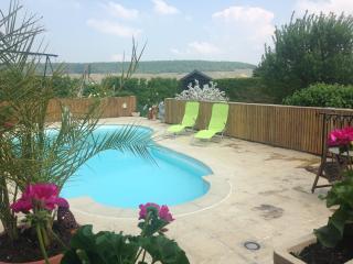 Chambre Laura avec accès piscine - Brugny Vaudancourt vacation rentals