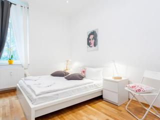 Lovely Apartment right in the center of Berlin - Berlin vacation rentals