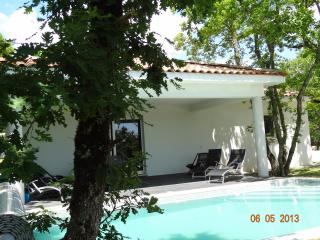 """les cayrous"" house with heated pool - Luzech vacation rentals"