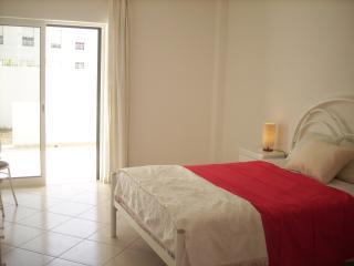 Ground floor apartment w/barbecue B - Quarteira vacation rentals