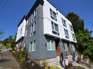 Nice House with Internet Access and A/C - Seattle vacation rentals