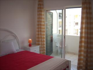 Large one bedroom apartment w/ barbecue C - Quarteira vacation rentals