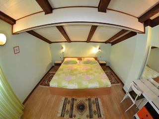 Beautiful 5 bedroom Apartment in Rab Town with Internet Access - Rab Town vacation rentals