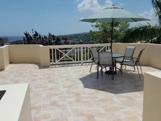 CHERRY SUNSET (walk to the beach) - Ocho Rios vacation rentals
