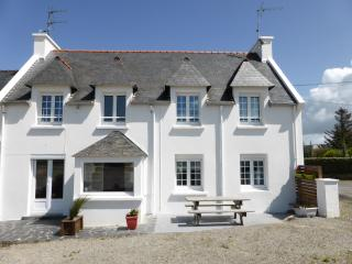 2 bedroom House with Internet Access in Plouguerneau - Plouguerneau vacation rentals