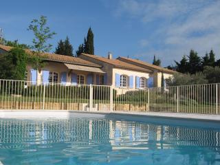 Villa provençale, campagne, calme (8 personnes) - Serignan-du-Comtat vacation rentals