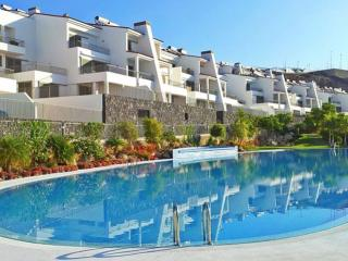 Luxurious Modern Apartment for Rent - La Caleta vacation rentals