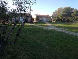 villa standing piscine chauffee - Serra-di-Ferro vacation rentals