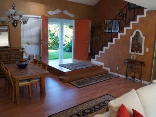 (#251) Costa mesa 4 bedroom home with large yard - Costa Mesa vacation rentals