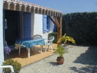 Cozy 2 bedroom Noirmoutier en l'Ile House with Dishwasher - Noirmoutier en l'Ile vacation rentals