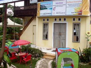 Cozy 2 bedroom Bed and Breakfast in Airmadidi - Airmadidi vacation rentals