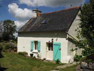 The Monplaisir Cottage, Lescouet-Gouarec - Gouarec vacation rentals