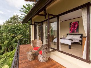LAST MINUTE B&B DEAL - East Pool Room - Payangan vacation rentals