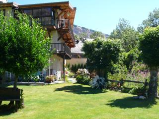Charming Condo with Internet Access and Wireless Internet - Le Monetier-les-Bains vacation rentals