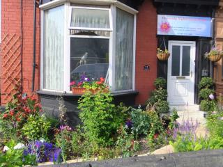 7 bedroom Guest house with Central Heating in Sheffield - Sheffield vacation rentals